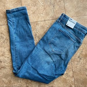 New Woman's OldNavy Super Skinny Distressed Jeans